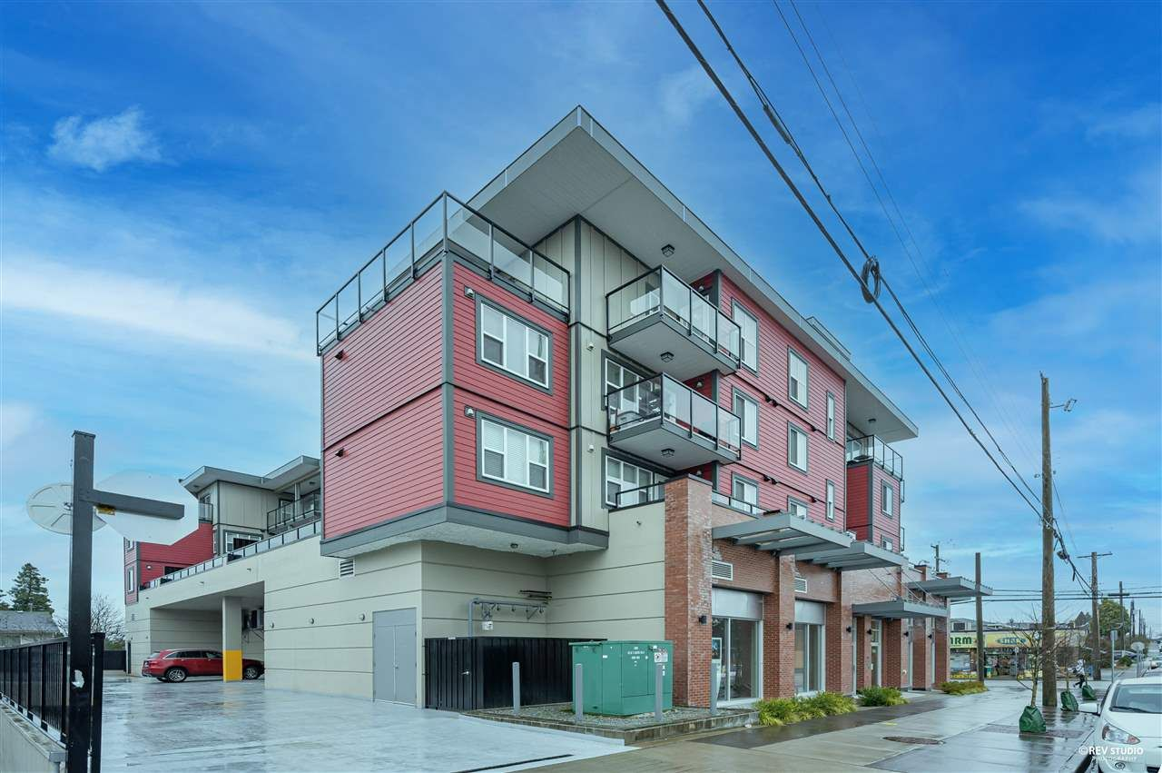 "Main Photo: 204 7908 15TH Avenue in Burnaby: East Burnaby Condo for sale in ""SAXON"" (Burnaby East)  : MLS®# R2541714"