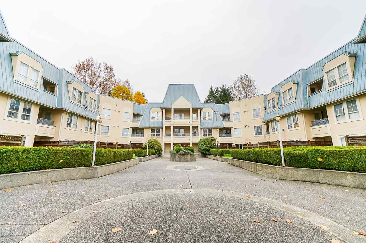 """Main Photo: 219 295 SCHOOLHOUSE Street in Coquitlam: Maillardville Condo for sale in """"Chateau Royale"""" : MLS®# R2517516"""