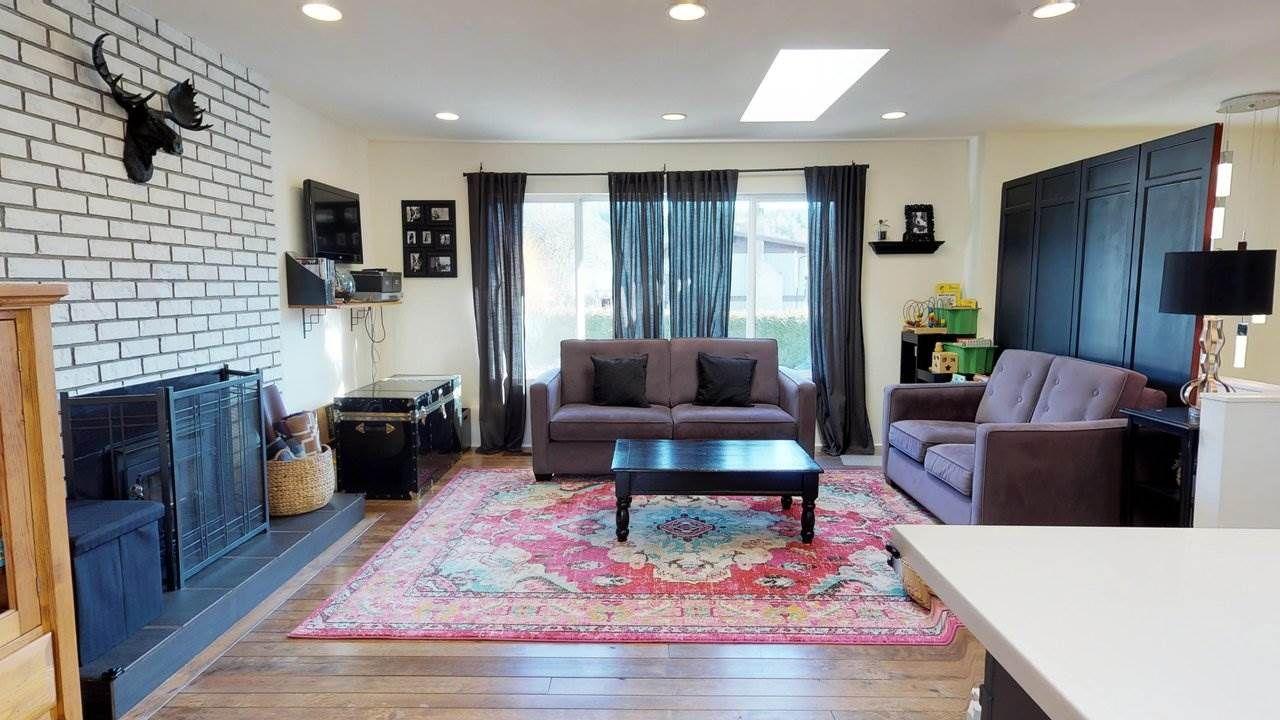 Main Photo: 40307 HOOD Road in Squamish: Garibaldi Estates House for sale : MLS®# R2238922