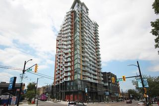 """Photo 16: 2303 285 E 10TH Avenue in Vancouver: Mount Pleasant VE Condo for sale in """"The Independent"""" (Vancouver East)  : MLS®# R2418764"""