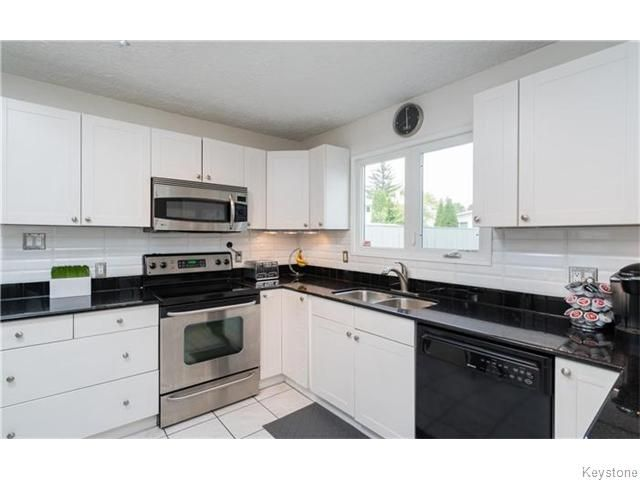 Photo 8: Photos: 120 Brookhaven Bay in Winnipeg: Southdale Residential for sale (2H)  : MLS®# 1622301