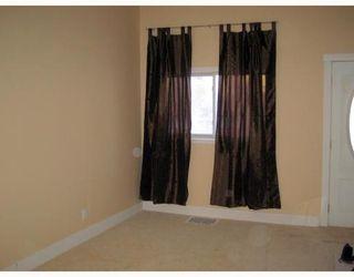 Photo 2:  in WINNIPEG: North End Residential for sale (North West Winnipeg)  : MLS®# 2901056