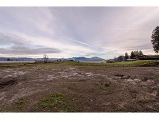 Photo 2: 32947 Clayburn Road in Abbotsford: House for sale