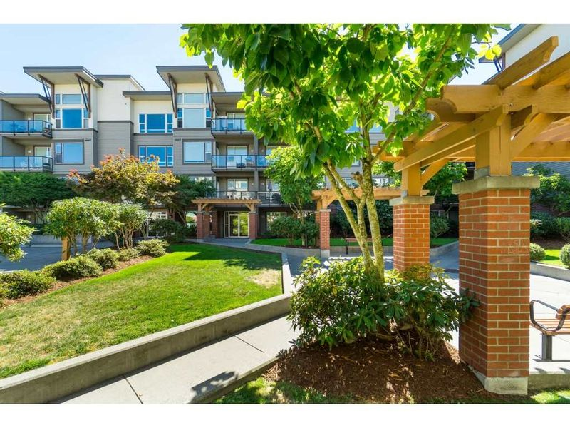 FEATURED LISTING: 309 - 33539 HOLLAND Avenue Abbotsford