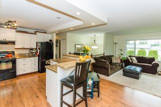 Photo 2: 2870 Southeast 6th Avenue in Salmon Arm: Hillcrest House for sale : MLS®# 10135671