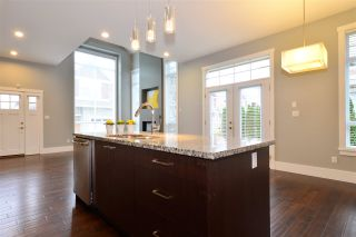 """Photo 7: 19 2453 163 Street in Surrey: Grandview Surrey Townhouse for sale in """"Azure West"""" (South Surrey White Rock)  : MLS®# R2334851"""