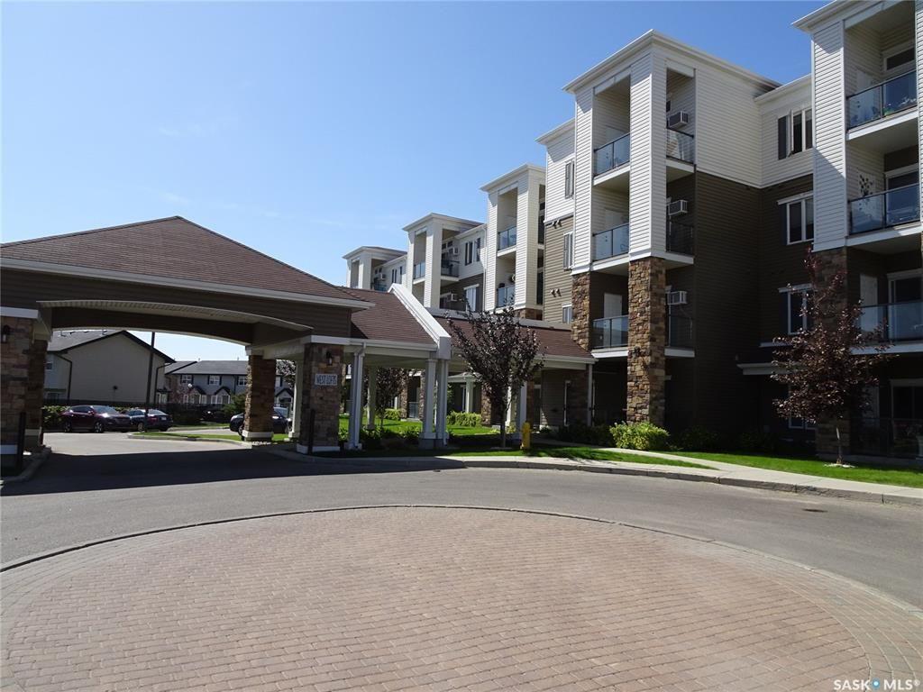 Main Photo: 104W 1300 Stockton Street in Regina: Lakeridge RG Residential for sale : MLS®# SK784396