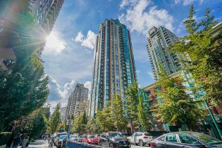Photo 2: 2207 939 HOMER Street in Vancouver: Yaletown Condo for sale (Vancouver West)  : MLS®# R2617007