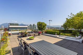 """Photo 2: 1201 1661 ONTARIO Street in Vancouver: False Creek Condo for sale in """"SAILS"""" (Vancouver West)  : MLS®# R2605622"""