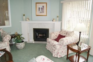 """Photo 4: 3 9251 122 Street in Surrey: Queen Mary Park Surrey Townhouse for sale in """"Kensington Gate"""" : MLS®# R2142201"""