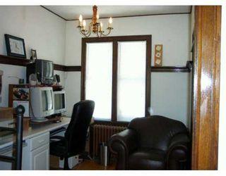 Photo 4: 384 SIMCOE Street in Winnipeg: Single Family Detached for sale : MLS®# 2512461