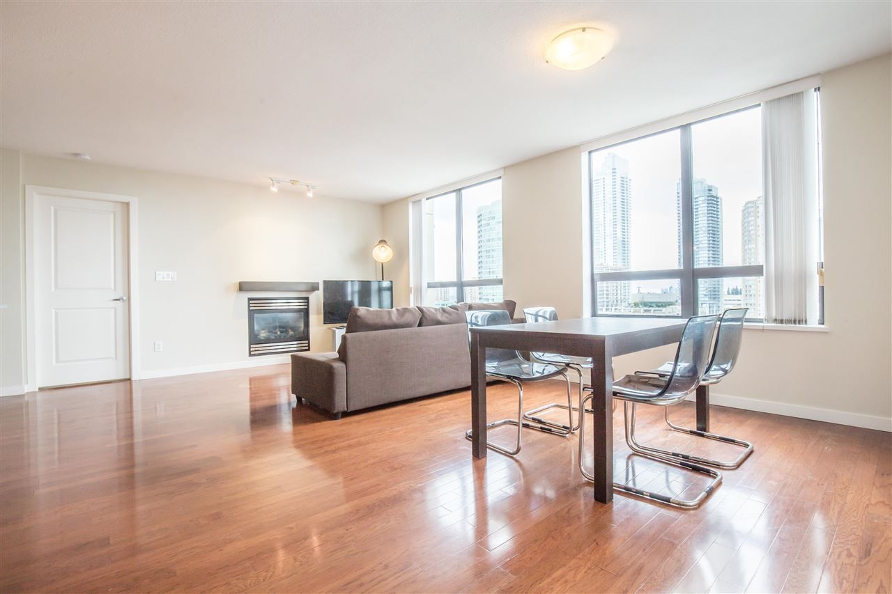 """Photo 3: Photos: 1102 4333 CENTRAL Boulevard in Burnaby: Metrotown Condo for sale in """"PRESEDIA"""" (Burnaby South)  : MLS®# R2388562"""