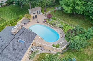 Photo 3: 228 Country Club Drive in Hamilton: Gershome House (Bungalow-Raised) for sale : MLS®# X5362353