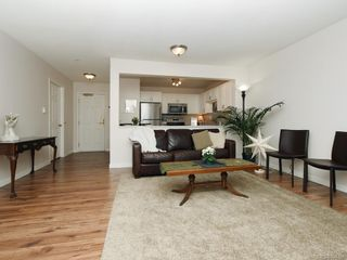 Photo 5: 119 290 Island Hwy in View Royal: VR View Royal Condo for sale : MLS®# 834766