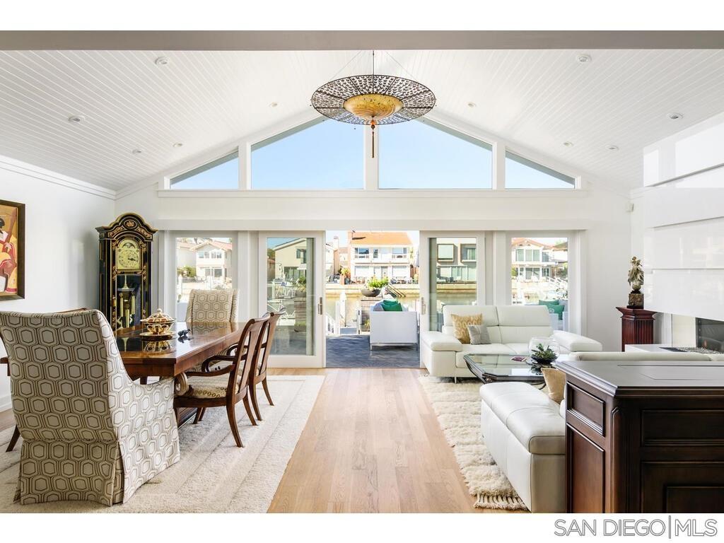 Main Photo: CORONADO CAYS House for sale : 5 bedrooms : 25 Sandpiper Strand in Coronado