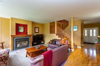 Photo 5: 7376 Ridgedown Crt in SAANICHTON: CS Saanichton House for sale (Central Saanich)  : MLS®# 786798