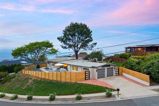 Photo 9: House for sale : 3 bedrooms : 1050 La Jolla Rancho Rd in La Jolla