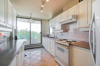 """Photo 8: 1704 6188 PATTERSON Avenue in Burnaby: Metrotown Condo for sale in """"THE WIMBLEDON CLUB"""" (Burnaby South)  : MLS®# R2341545"""