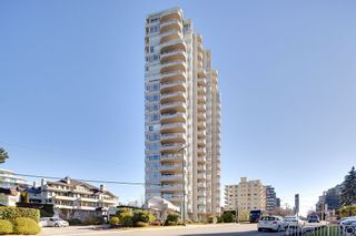 """Main Photo: 201 2203 BELLEVUE Avenue in West Vancouver: Dundarave Condo for sale in """"BELLEVUE PLACE"""" : MLS®# R2535962"""
