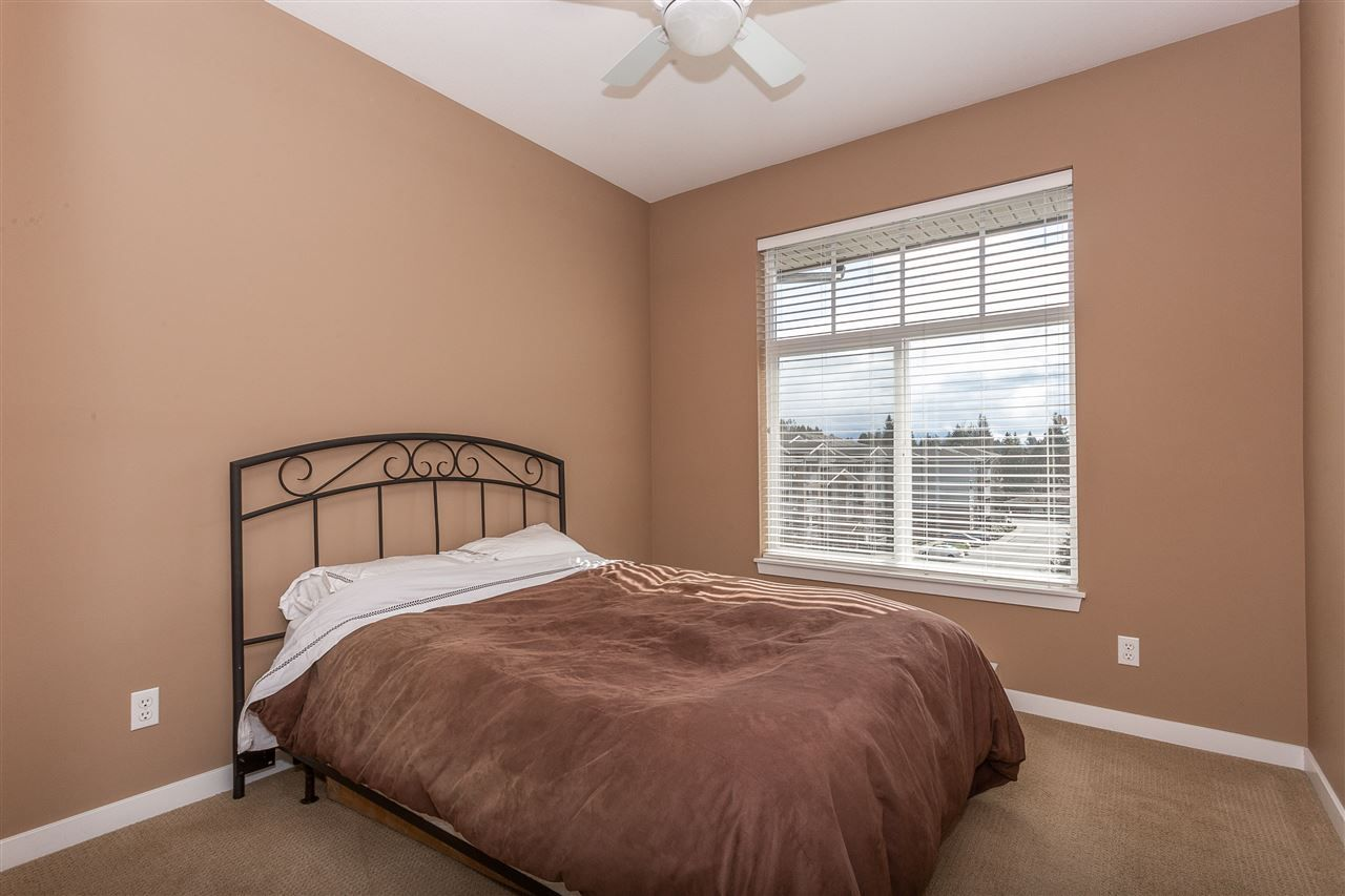 """Photo 14: Photos: 409 33338 MAYFAIR Avenue in Abbotsford: Central Abbotsford Condo for sale in """"The Sterling"""" : MLS®# R2346998"""