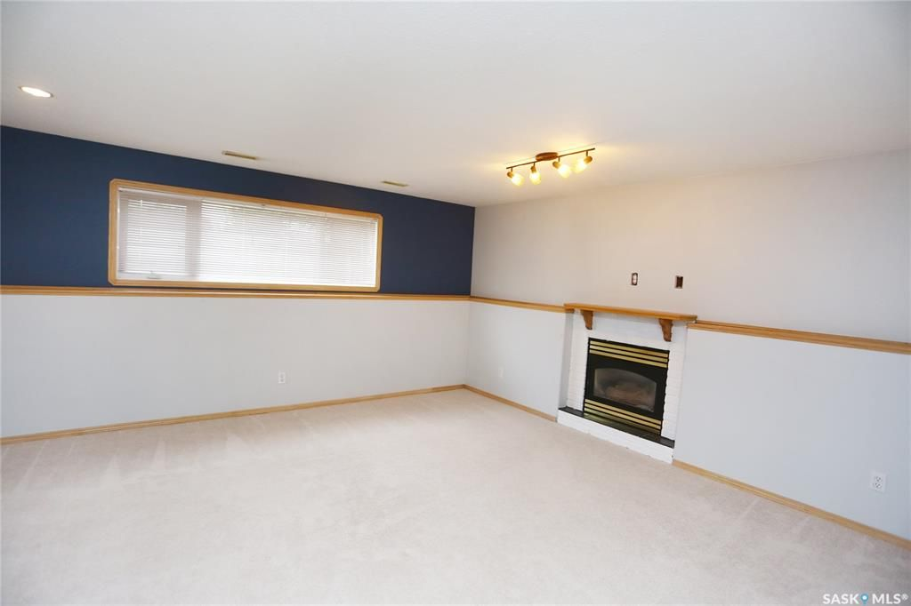 Photo 38: Photos: 206 1st Avenue North in Warman: Residential for sale : MLS®# SK796281