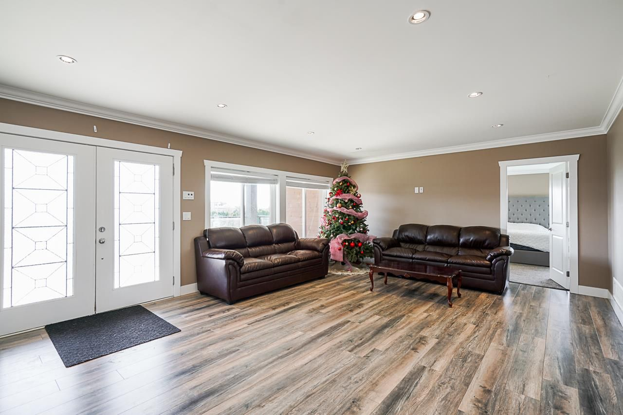Photo 3: Photos: 1458 GLADWIN Road in Abbotsford: Poplar House for sale : MLS®# R2547303