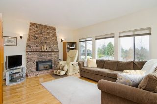 Photo 6: 413 MARINER Way in Coquitlam: Coquitlam East House for sale : MLS®# R2042897