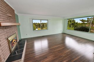 Photo 12: 2536 ASQUITH St in : Vi Oaklands House for sale (Victoria)  : MLS®# 883783
