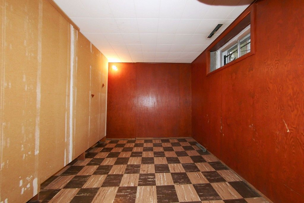 Photo 19: Photos: 899 Clifton Street in Winnipeg: West End Single Family Detached for sale (West Winnipeg)  : MLS®# 1529435
