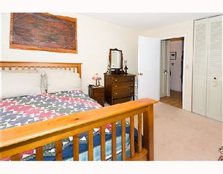 "Photo 3: 204 1585 E 4TH Avenue in Vancouver: Grandview VE Condo for sale in ""ALPINE PLACE"" (Vancouver East)  : MLS®# V667288"
