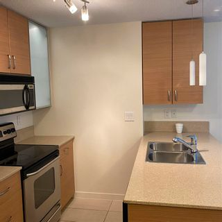 """Photo 8: 901 928 HOMER Street in Vancouver: Yaletown Condo for sale in """"YALETOWN PARK 1"""" (Vancouver West)  : MLS®# R2586722"""