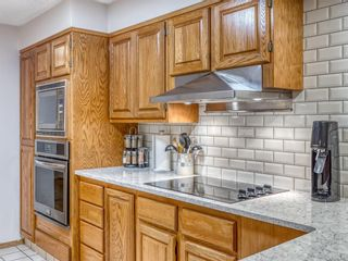 Photo 10: 402 320 Meredith Road NE in Calgary: Crescent Heights Apartment for sale : MLS®# A1143328