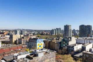 """Photo 17: 1503 108 W CORDOVA Street in Vancouver: Downtown VW Condo for sale in """"Woodwards"""" (Vancouver West)  : MLS®# R2571397"""