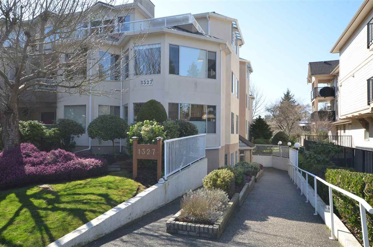 """Main Photo: 303 1327 BEST Street: White Rock Condo for sale in """"CHESTNUT MANOR"""" (South Surrey White Rock)  : MLS®# R2560937"""