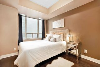 Photo 11: 80 Absolute Ave Unit #2708 in Mississauga: City Centre Condo for sale : MLS®# W5001691