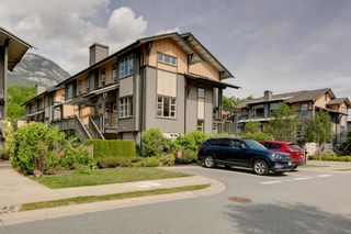 """Photo 2: 1168 VILLAGE GREEN Way in Squamish: Downtown SQ 1/2 Duplex for sale in """"Eaglewind"""" : MLS®# R2272846"""