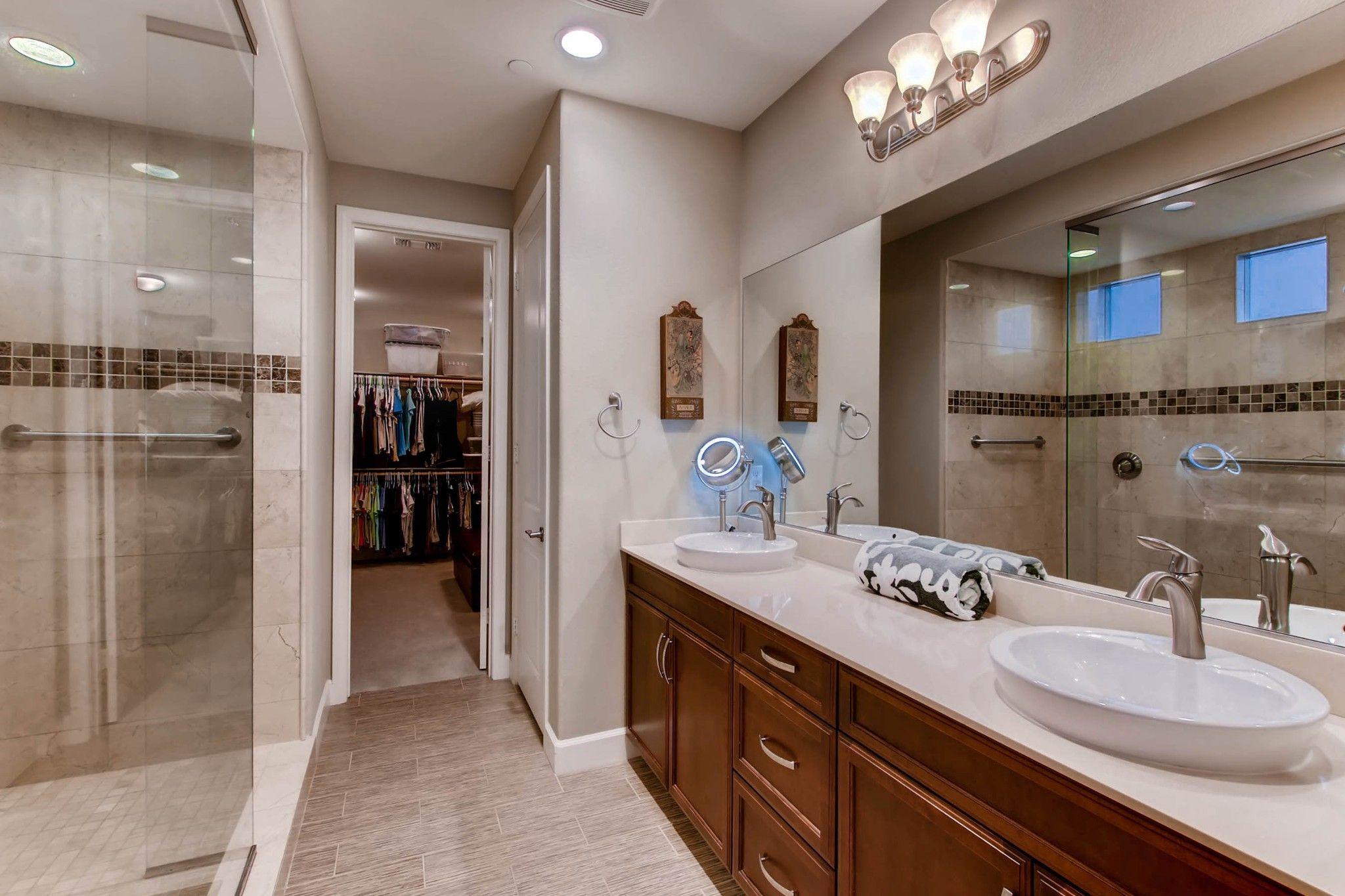 Photo 16: Photos: Residential for sale : 5 bedrooms : 443 Machado Way in Vista