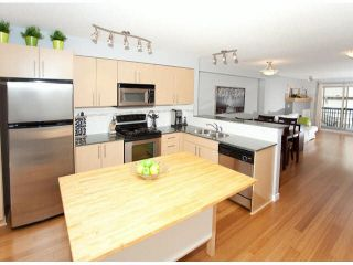 """Photo 4: 15 19250 65TH Avenue in Surrey: Clayton Townhouse for sale in """"Sunberry Court"""" (Cloverdale)  : MLS®# F1416410"""