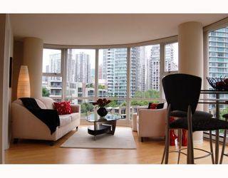 "Photo 3: 706 193 AQUARIUS MEWS BB in Vancouver: False Creek North Condo for sale in ""MARINASIDE RESORT RESIDENCES"" (Vancouver West)  : MLS®# V787619"