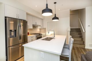 """Photo 5: 71 8371 202B Street in Langley: Willoughby Heights Townhouse for sale in """"Kensington Lofts"""" : MLS®# R2624077"""