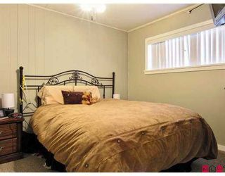 """Photo 6: 7048 188TH Street in Surrey: Clayton House for sale in """"CLAYTON"""" (Cloverdale)  : MLS®# F2701592"""