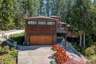 Photo 4: 3185 HUCKLEBERRY Road: Roberts Creek House for sale (Sunshine Coast)  : MLS®# R2571072