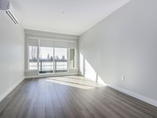 "Photo 5: 305 4289 HASTINGS Street in Burnaby: Vancouver Heights Condo for sale in ""MODENA"" (Burnaby North)  : MLS®# R2354279"