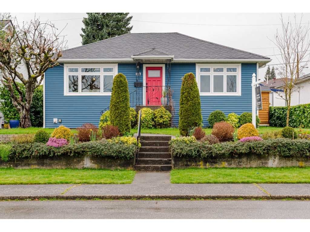 "Main Photo: 927 LAUREL Street in New Westminster: The Heights NW House for sale in ""THE HEIGHTS"" : MLS®# R2554863"