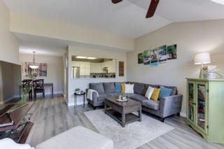 "Photo 3: 5 20841 DEWDNEY TRUNK Road in Maple Ridge: Northwest Maple Ridge Townhouse for sale in ""KITCHLER STATION"" : MLS®# R2603707"