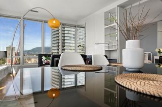 "Photo 7: 1207 989 NELSON Street in Vancouver: Downtown VW Condo for sale in ""THE ELECTRA"" (Vancouver West)  : MLS®# R2567499"