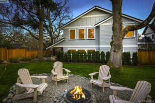 Photo 2: 712 Warder Pl in VICTORIA: Es Rockheights House for sale (Esquimalt)  : MLS®# 810671