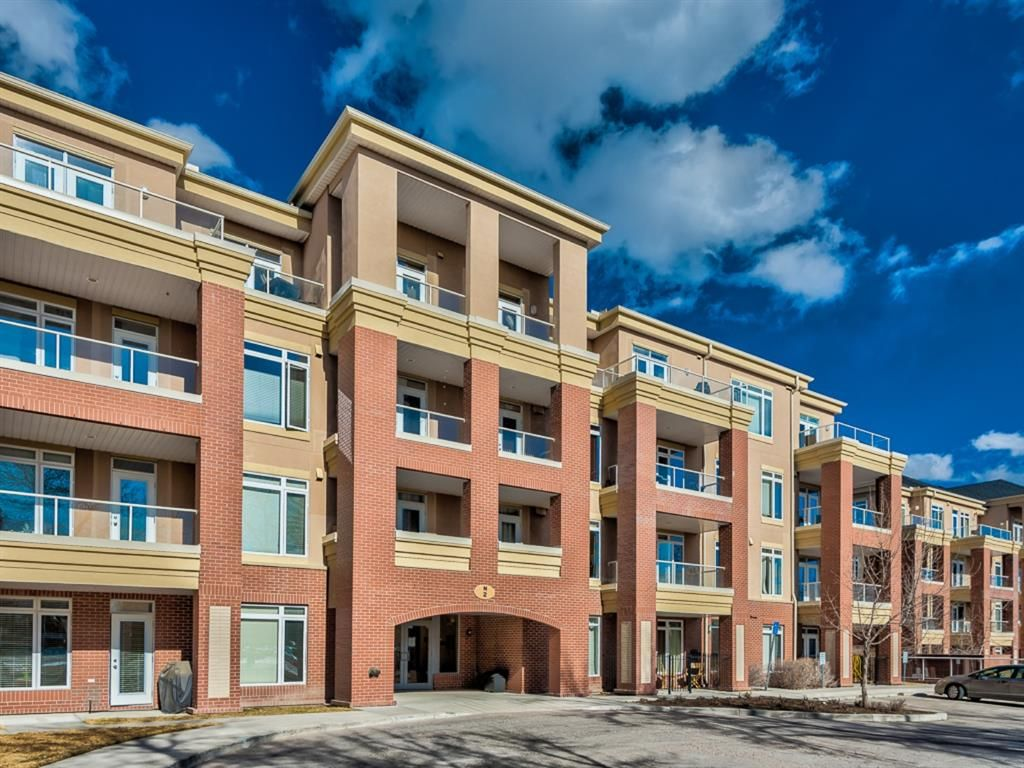 Main Photo: 307 2 HEMLOCK Crescent SW in Calgary: Spruce Cliff Apartment for sale : MLS®# A1076782