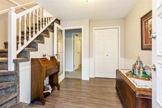 Photo 2: 17027 HEREFORD PLACE in Surrey: Cloverdale BC House for sale (Cloverdale)  : MLS®# R2435487