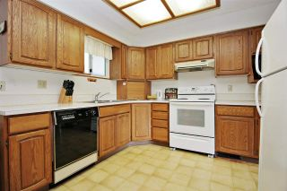 Photo 4: 10745 MCDONALD Road in Chilliwack: Fairfield Island House for sale : MLS®# R2586877